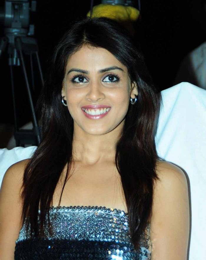 95494genelia-dsouza-genelia-dsojeuza-most-cutest-one-34370375-700-882.jpg